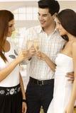 Faire tinter avec le champagne Images stock