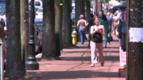 Faire un tour le long de la rue principale (1 de 9) clips vidéos