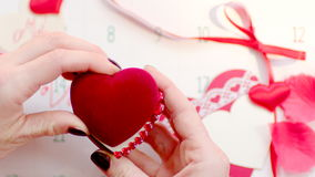 Faire une proposition pour se marier le jour de valentines banque de vidéos