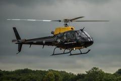 FAIRFORD, GROSSBRITANNIEN - 10. JULI: Eichhörnchenhubschrauber nimmt am königlichen internationalen Luft-Tätowierungs-Flugschauer Stockfoto
