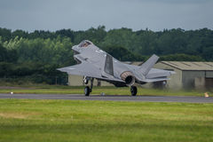 FAIRFORD, GROSSBRITANNIEN - 10. JULI: F-35B Flugzeug nimmt am königlichen internationalen Luft-Tätowierungs-Flugschauereignis am  Lizenzfreies Stockbild