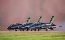 FAIRFORD, GROSSBRITANNIEN - 10. JULI: Flugzeug MB-339 nimmt am königlichen internationalen Luft-Tätowierungs-Flugschauereignis am Lizenzfreie Stockfotos
