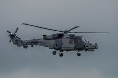 FAIRFORD, GROSSBRITANNIEN - 10. JULI: Luchs-Hubschrauber nimmt am königlichen internationalen Luft-Tätowierungs-Flugschauereignis Stockbilder