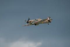 FAIRFORD, HET UK - 10 JULI: Het orkaanvliegtuig neemt aan de Koninklijke Internationale Lucht van de Luchttatoegering toont deel  Stock Afbeeldingen