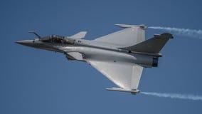 FAIRFORD, HET UK - 10 JULI: Het Rafalec Vliegtuig neemt aan de Koninklijke Internationale Lucht van de Luchttatoegering toont dee Stock Fotografie