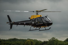 FAIRFORD, REINO UNIDO - 10 DE JULHO: O helicóptero do esquilo participa ar tatuagem festival aéreo evento no 10 de julho de 2016  Foto de Stock