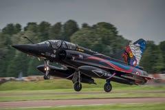 FAIRFORD UK - JULI 10: Hägringflygplan 2000 deltar i den kungliga internationella händelsen Juli 10, 2016 för lufttatueringflygsh Royaltyfria Foton