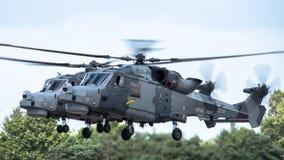 FAIRFORD UK - JULI 10: Lodjurhelikoptern deltar i den kungliga internationella händelsen Juli 10, 2016 för lufttatueringflygshowe Royaltyfri Bild