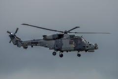 FAIRFORD UK - JULI 10: Lodjurhelikoptern deltar i den kungliga internationella händelsen Juli 10, 2016 för lufttatueringflygshowe Arkivbilder