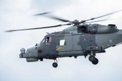 FAIRFORD, UK - LIPIEC 10: Rysia helikopter uczestniczy w Królewskim zawody międzynarodowi powietrza tatuażu pokazu lotniczego wyd Obrazy Stock