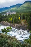 Fairmont Banff Springs herein gelegen lizenzfreies stockbild
