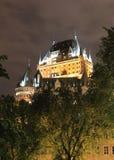 Fairmont-Chateau Frontenac nachts Lizenzfreie Stockfotos