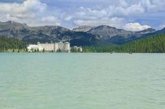 Fairmont Chateau på Lake Louise, Kanada Royaltyfri Fotografi