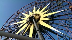 Fairouswheel à la terre de Disney photo stock