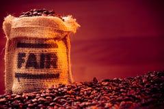 Fairtrade kaffebönor Arkivfoto