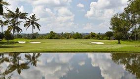 Fairway com perigos, campo de golfe do Gec Lombok, Indonésia Imagens de Stock Royalty Free