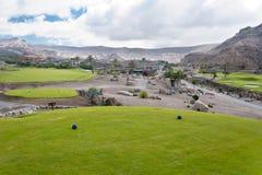 Fairway de terrain de golf à la station de vacances tropicale Image stock