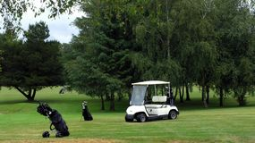 Fairway do golfe fotografia de stock royalty free