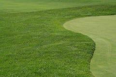 Fairway e verde de Golfcourse fotografia de stock royalty free