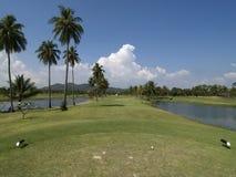 Fairway van pari 4 golfgat Stock Afbeeldingen