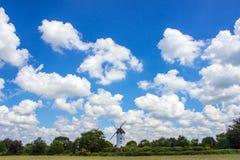 Fairy мельница в облаках стоковые изображения