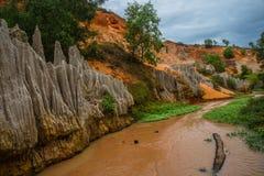 Fairy поток (Suoi Tien), Ne Mui, Вьетнам Одна из туристических достопримечательностей в Ne Mui Красивые горы и вода Стоковое фото RF