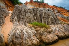 Fairy поток (Suoi Tien), Ne Mui, Вьетнам Одна из туристических достопримечательностей в Ne Mui Красивые горы и вода Стоковые Фото