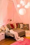 Fairy света в спальне Стоковые Изображения