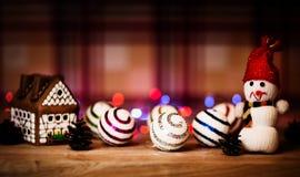 Fairy торт дома рождества с светом свечи внутрь Стоковое Изображение RF