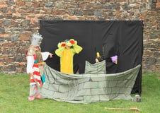 Fairytale met ridder, draak en prinses royalty-vrije stock afbeelding