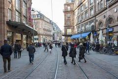 Faisant des emplettes à Strasbourg, Frances Photos stock