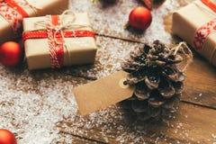 Faisant des emplettes en hiver, lendemain de Noël photos stock
