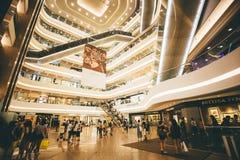 Faisant des emplettes sur la baie de chaussée en Hong Kong, la Chine Photo stock