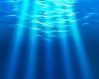 Faisceaux de lumière sous-marins Photographie stock