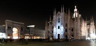 Faisceaux de lumière sur le Duomo Images stock