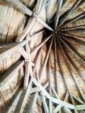 Faisceaux en bois dans le château photos stock
