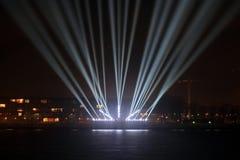 Faisceaux lumineux sur la promenade Photographie stock