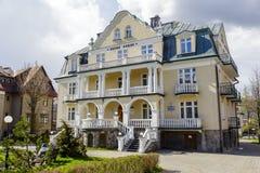 Fait de la maison d'hôtes de brique Jasny Palac dans Zakopane Images libres de droits