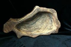 Fait main, boisage, texture et matériaux, plats et ustensiles naturels de ménage de bois, images stock