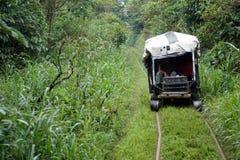 ` Fait maison de train de fantôme de ` fonctionnant sur les voies ferrées abandonnées Photo libre de droits