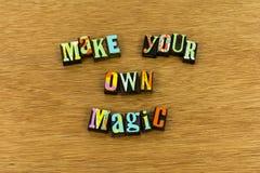 Faites à grand travail rêveur magique la typographie dure photographie stock