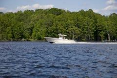 Faites de la navigation de plaisance dans le fleuve Photo libre de droits