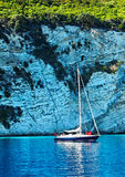 Faites de la navigation de plaisance la navigation par des falaises Photos libres de droits