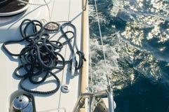 Faites de la navigation de plaisance les cordes Images libres de droits
