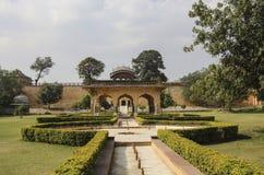 Faites du jardinage avec des fontaines en Amber Fort à Jaipur, Ràjasthàn, Inde photographie stock