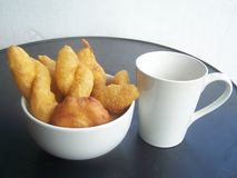 Faites frire le maquereau que la nourriture est urgente Photo stock