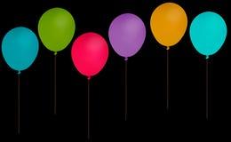 Faites la fête les ballons d'isolement au-dessus du noir - assorti, mélange Images libres de droits