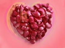 Faites le coeur à partir des pétales de rose sur le fond rose Photographie stock