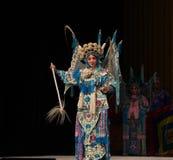 """Faites une étape poser ; généraux de femmes de Pékin Opera"""" d'exposition de  de € de Yang Familyâ Photo libre de droits"""