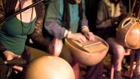 Faixa africana tradicional da música que joga um acordo filme